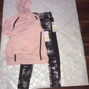 A fabulous NWT Zella girls athletic outfit